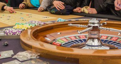 Besucher im Casino.