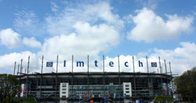 Großartige Fussballspiele in Hamburger Imtech Arena, die auch HSV-Stadion genannt wird
