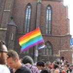 Viele Schwulen- und Lesbenpaare sind in der Innenstadt zum Feiern erschienen