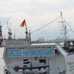 Wer Hamburg besucht sollte auf jeden Fall eine Hafenrundfahrt machen
