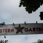 Eingang zum ,,Sterngarten' der MXB Bar