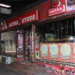 In dem Kultclub Astra Stube spielen Livebands Indie-Rock, Punk und Popmusik