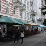 Es gibt gute Tapas-Bars, kostspieligere Restaurants sowie kleine gemütliche Restaurants